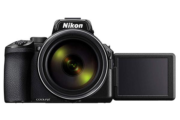 il display orientabile della nikon coolpix p950