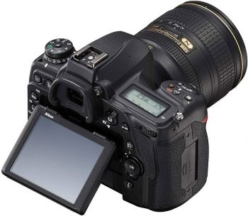 nikon d780 con display inclinato