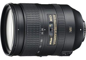 Obiettivo superzoom Nikkor 28-300mm per reflex full frame